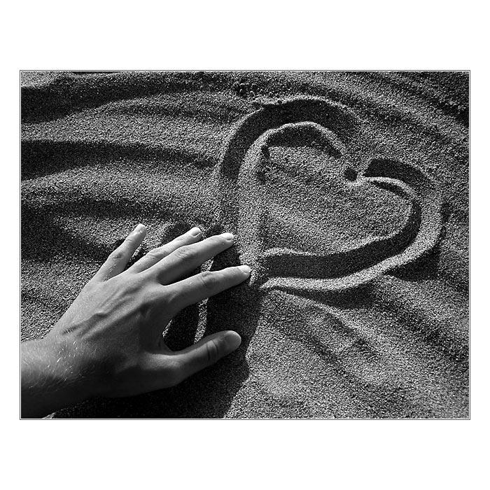 http://foto.halicky.sk/eli/08Kreta/sandy_heart.jpg